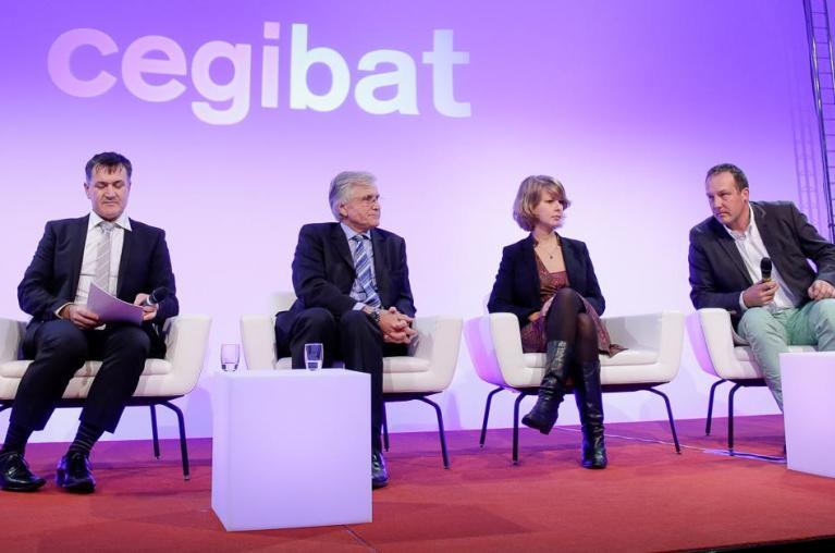 De gauche à droite : Thierry Rocque (GrDF), Jérôme Maldonado (Uniclima), Jean-Pascal Chirat (Saint-Gobain Distribution Bâtiment France), Marie Vandycke (Socoda), Philippe Bergugnat (Capeb), Ludovic Thiebaux (GRDF)