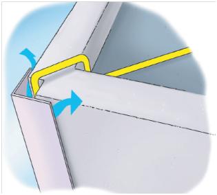 Figure 1 : canalisation dissimulée derrière une cloison