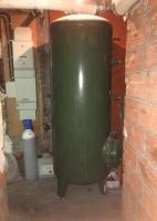 Ballon de stockage livré et stocké au sous-sol