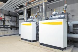 Deux chaudières gaz à condensation de 170 kW chacune.